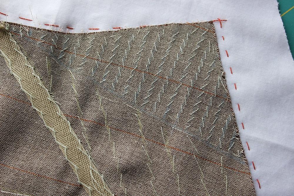 201-06-10-collar detail