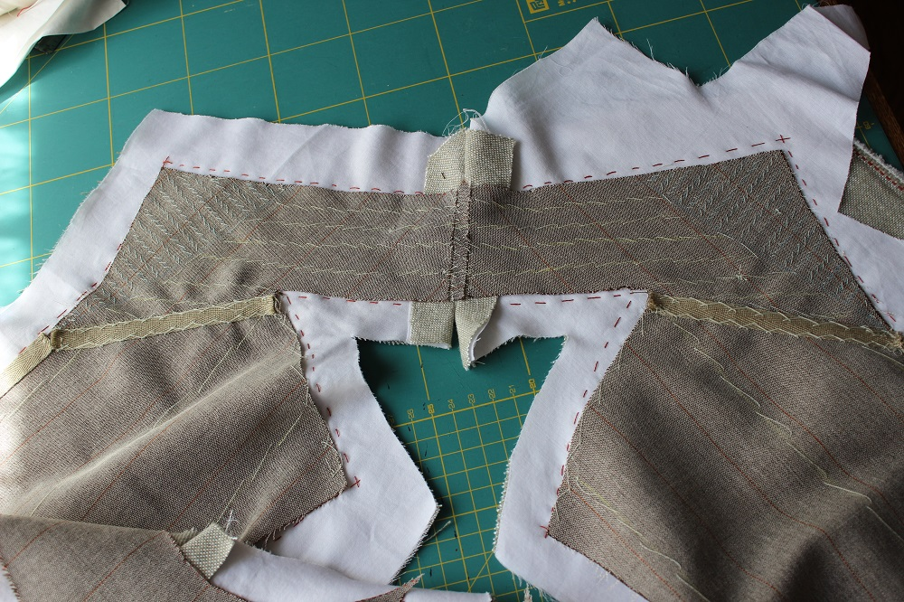 2014-06-10-pad stitched collar